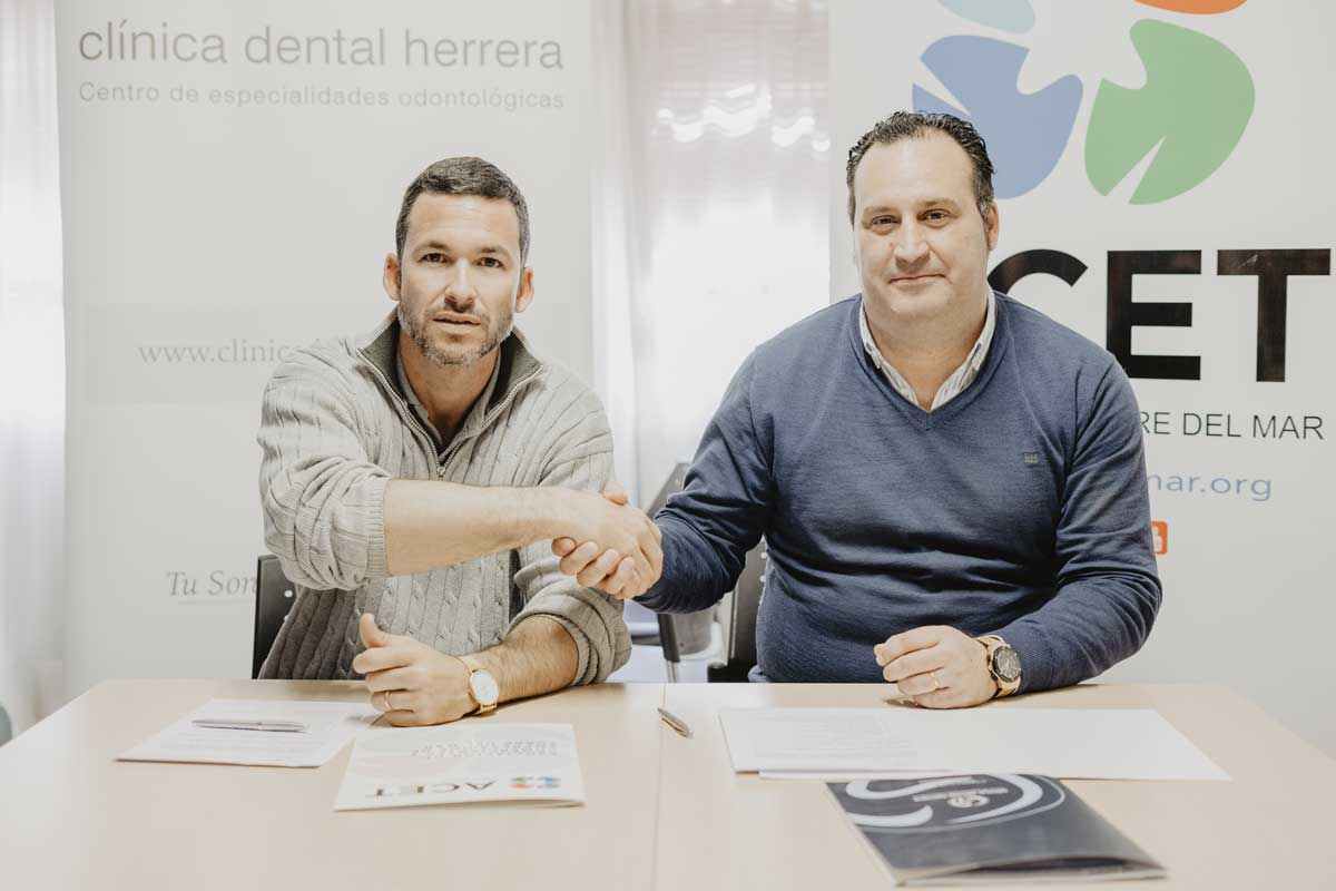 firma-clinica-dental-herrera-acet