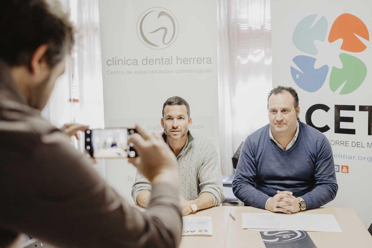 firma-clinica-dental-herrera-acuerdo-acet
