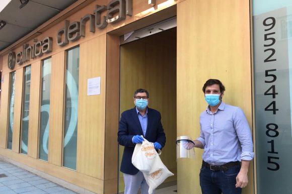 Clínica Dental Herrera sigue fabricando pantallas de protección