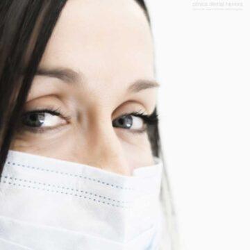 ¿Puede afectar la mascarilla a la salud bucodental?