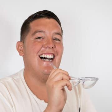 Francisco Díaz Aponte: Reconstrucción dental, implantes, ortodoncia y blanqueamiento